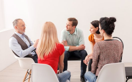 Running Group Hypnotherapy Sessions: Top Tips for Therapists